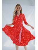 Легкое красное платье на запах в крупный горох