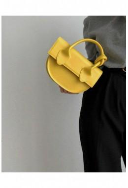 Модная маленькая сумка жёлтого цвета