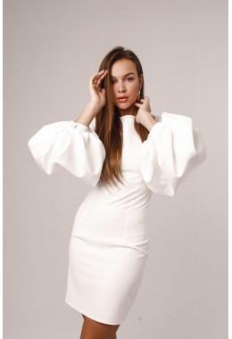 Платье белое с рукавами-фонарями