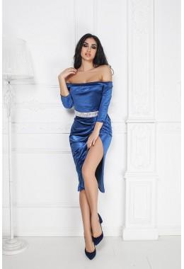 Вечернее платье цвета индиго с открытыми плечам