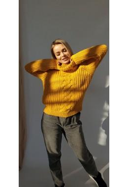 Уютный женский свитер  с узорной вязкой