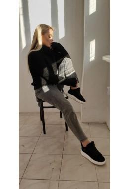 Уютный черный женский свитер  с узорной вязкой