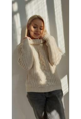 Уютный молочный  женский свитер  с узорной вязкой