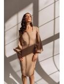 Модное платье с рукавами-воланами по фигуре