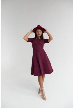 Замшевое марсаловое платье с коротким рукавом