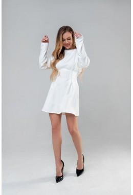 Романтическое белое приталенное  платье