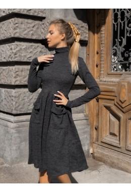 Модное теплое расклешенное платье