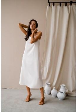 Нежное молочное платье на бретельках