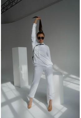 Спортивные белые брюки