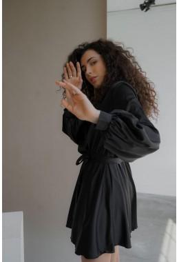 Шелковое платье на запах черного цвета