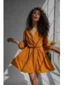 Нежное желтое платье с кружевом