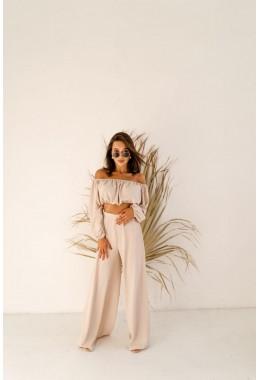 Модный легкий костюм