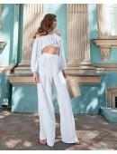 Модный легкий белый костюм