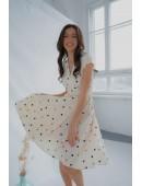 Милое платье на запах цвета молоко