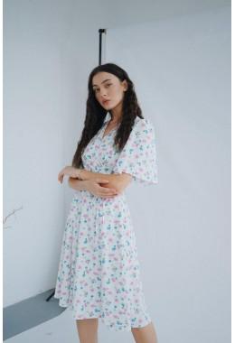 Цветочное платье на запах молочное