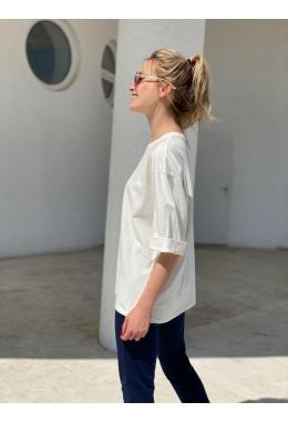 Стильная молочная летняя футболка