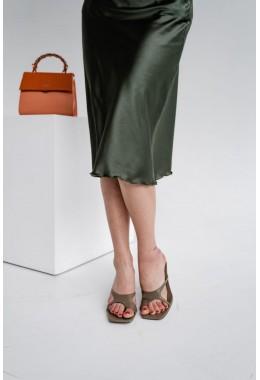 Утонченная юбка цвета хаки