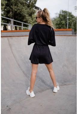 Спортивный костюм с шортами черного цвета