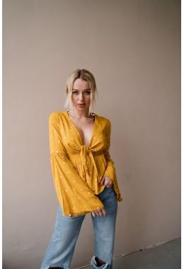 Блуза с расклешенными рукавами желтого цвета