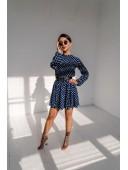 Легкое темно-синее платье в горошек