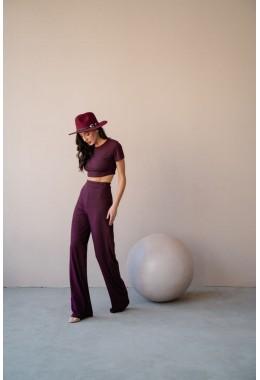 Базовый костюм цвета марсала с брюками