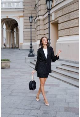 Костюм деловой с юбкой черный