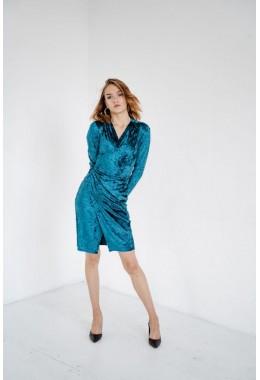 Изящное бархатное платье на запах цвета морская волна