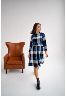 Теплое платье в клетку синего цвета