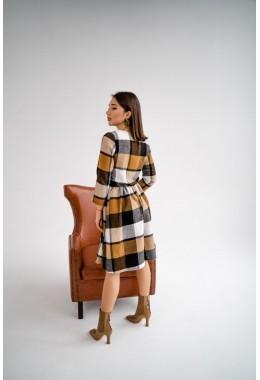 Теплое платье в клетку горчичного цвета