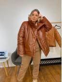 Дутая объемная куртка коричневого цвета