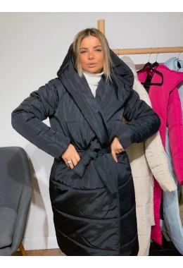 Объемная куртка с капюшоном черная