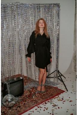 Стильное платье на запах черное