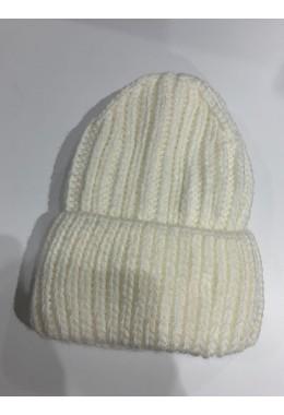Теплая вязанная шапка молочная №8