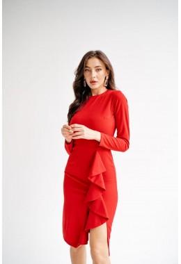 Элегантное платье с рюшей красного цвета
