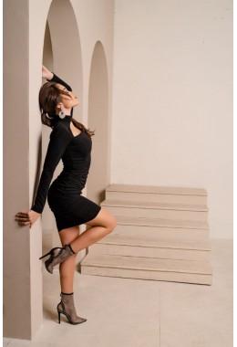 Платье со сборкой черного цвета