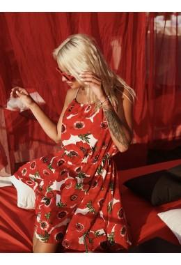 Летний сарафанчик красного цвета в цветы