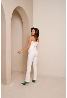 Стильные брюки с высокой посадкой молочного цвета