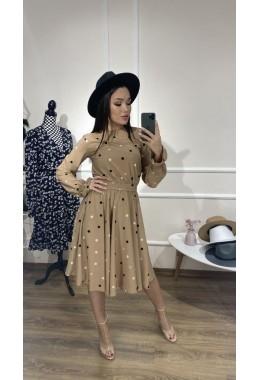 Милое платье в горошек бежевого цвета