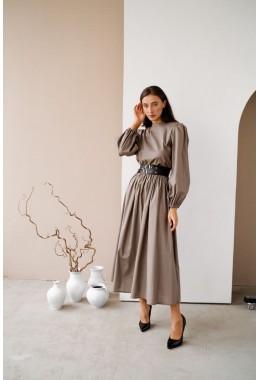 Длинное платье в пол серого цвета