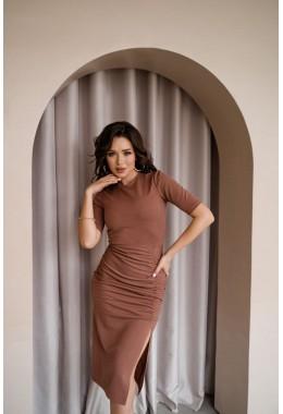 Платье с разрезом по ноге цвета капучино