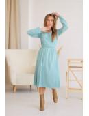 Платье на запах миди длины фисташковое