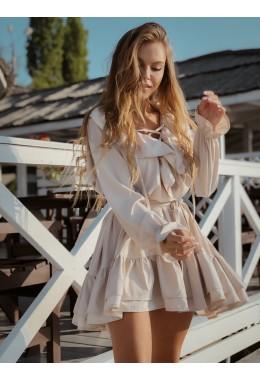 Платье с оборками свободного кроя бежевого цвета