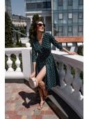 Платье-халат на запах цвета зеленое в крупный горох
