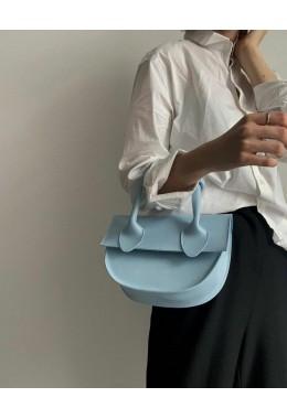 Модная маленькая сумка голубого цвета