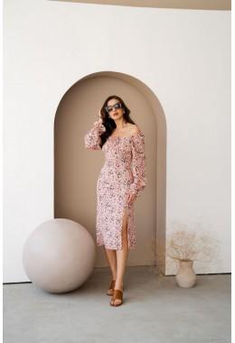 Цветочное платье с разрезом розового цвета