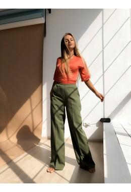 Стильные брюки трубы цвета хаки