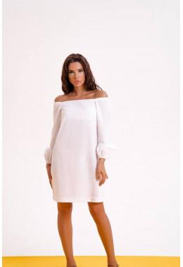 Льняное летнее платье белого цвета