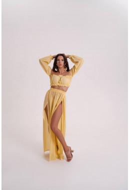 Пляжный костюм желтого цвета