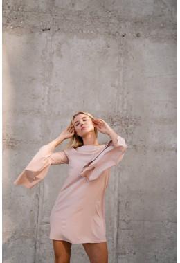 Платье бежевое с рукавами с широкими воланами