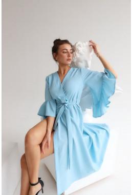 Изящное миди платье голубого цвета